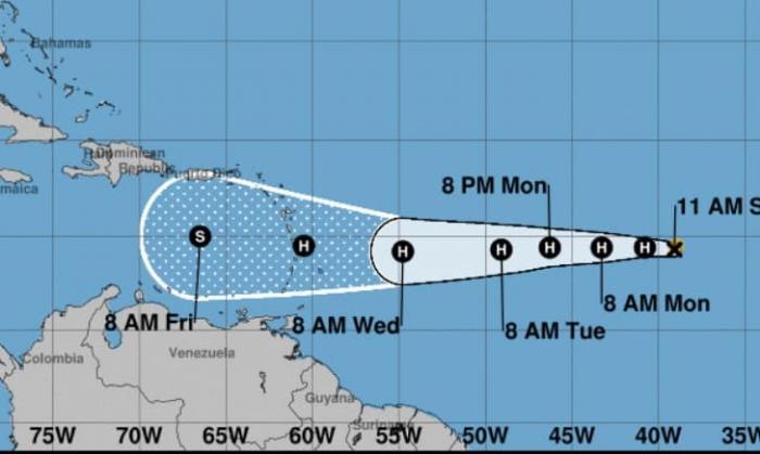 Isaac se renforce et devrait devenir un ouragan rapidement