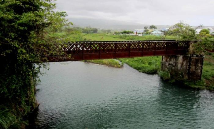 L'eau polluée aux hydrocarbures à Goyave
