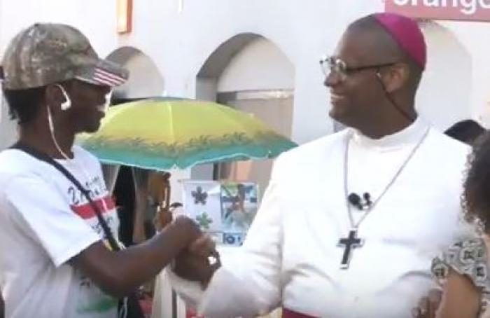 """""""L'espérance, c'est le point de départ de mon message"""", Monseigneur Macaire, Archevêque de la Martinique"""