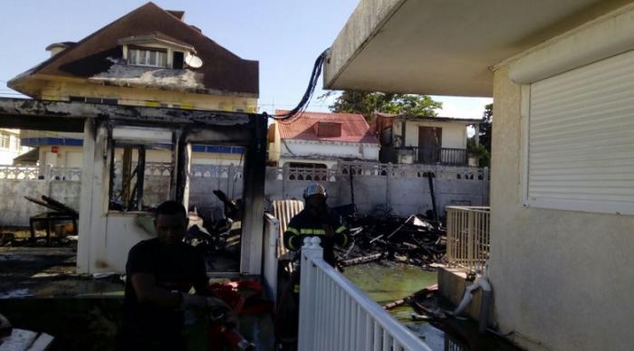 L'incendie de l'ancien hôpital de Capesterre-Belle-Eau maîtrisé