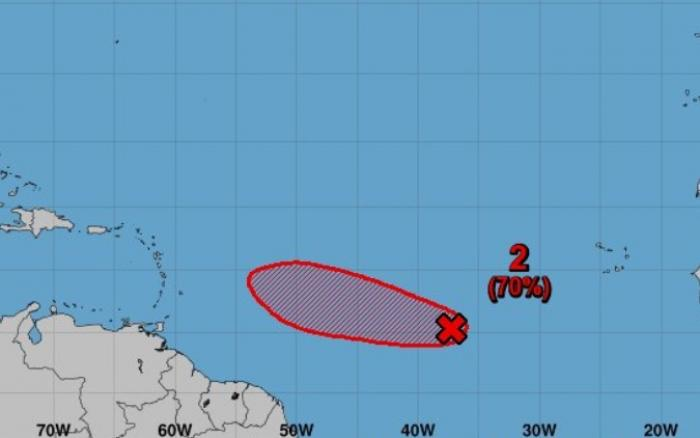 L'onde tropicale s'est un peu mieux organisée selon le NHC