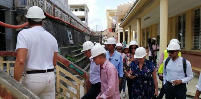La commission éducation des Régions de France visite le chantier du lycée Schoelcher