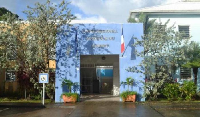 La communauté scolaire du LPA manifeste sa colère