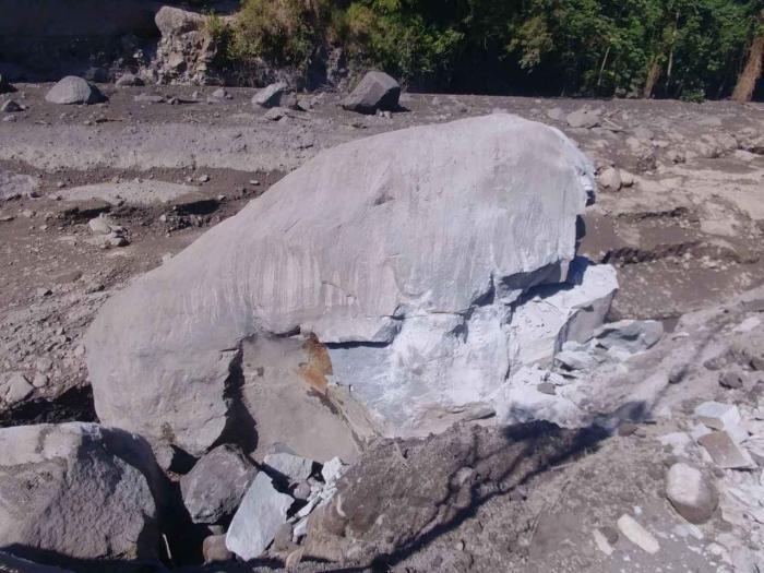 """La démolition de la """"bombe volcanique"""" a débuté"""