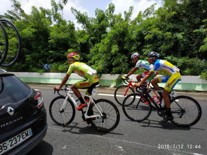 La fédération française de cyclisme modifie le règlement sur l'inscription de coureurs étrangers