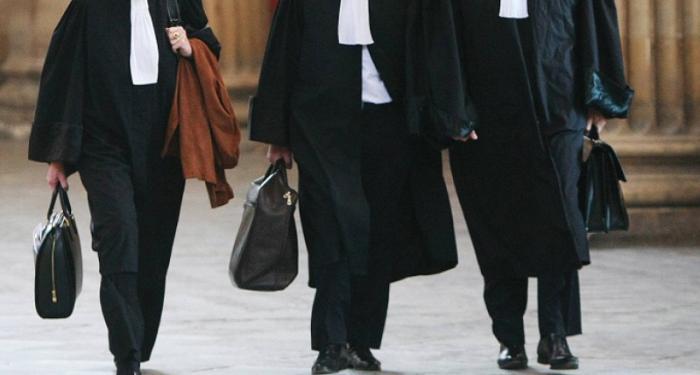 La grève des avocats continue