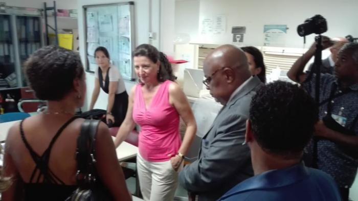 La ministre Agnès Buzin en visite au CHU