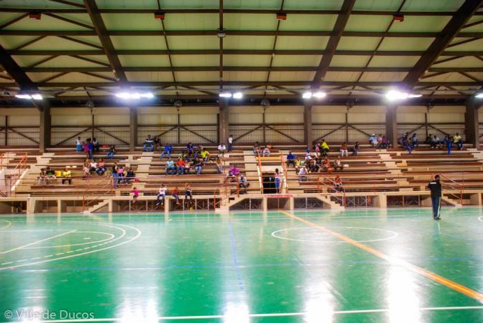La réfection du hall des sports de Ducos se fait attendre