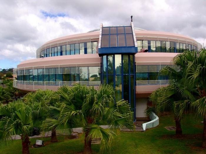 La région Guadeloupe vote pour la nouvelle répartition de la taxe de consommation sur les carburants