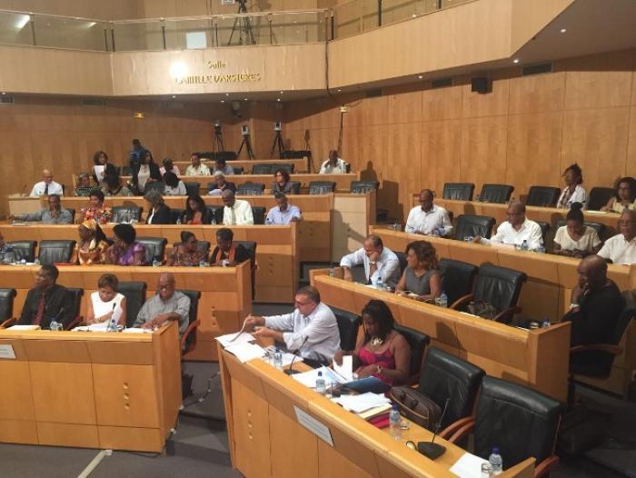 Le budget de la CTM voté dans un climat de tensions