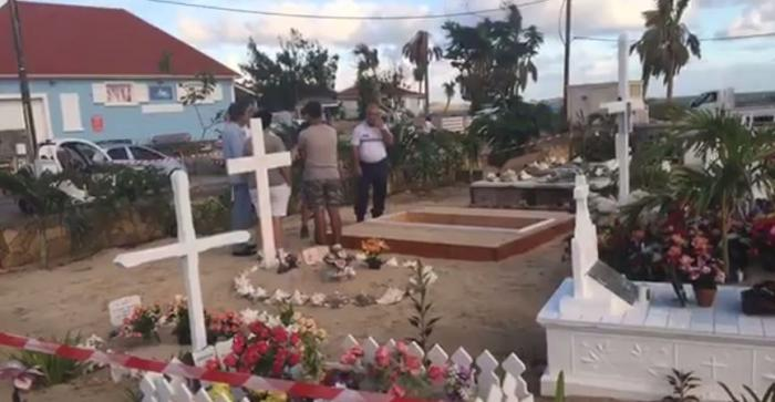 Le cimetière de Lorient à Saint-Barthélémy est prêt à accueillir Johnny Hallyday (Vidéo)