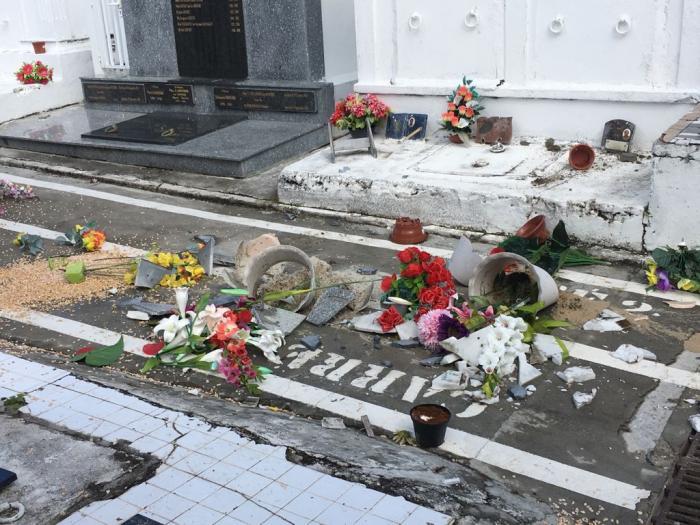 Le cimetière et l'Eglise du Gosier vandalisés cette nuit