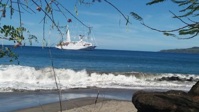 Le Club Med 2 a fait escale dans la baie de Saint-Pierre