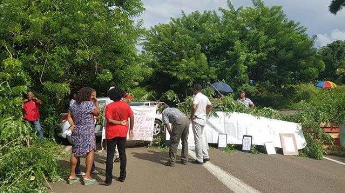 Le lycée agricole de Croix Rivail est bloqué par les soutiens de Philippe Aurore