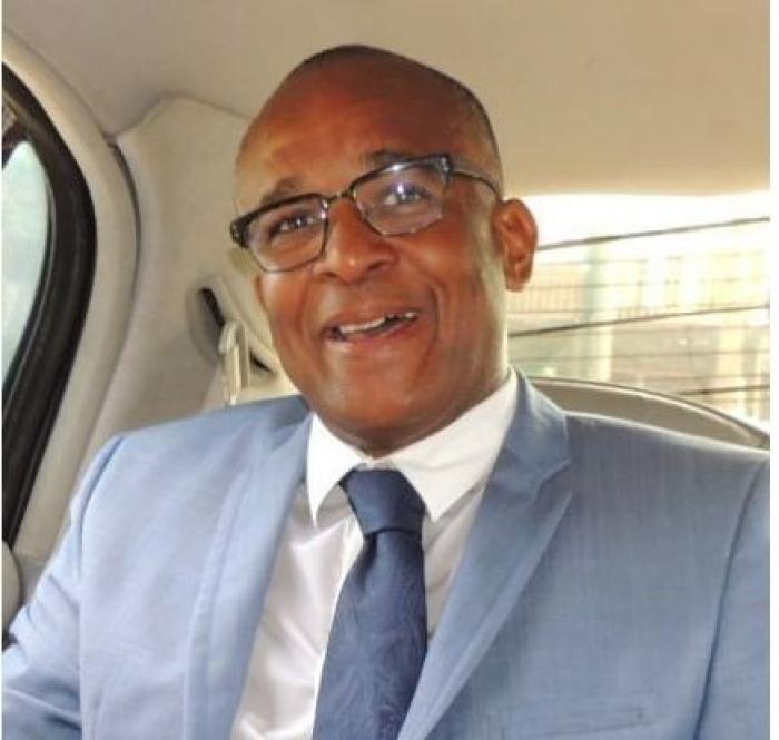Le maire de Sainte-Anne justifie une hausse de la taxe d'habitation face à la contestation