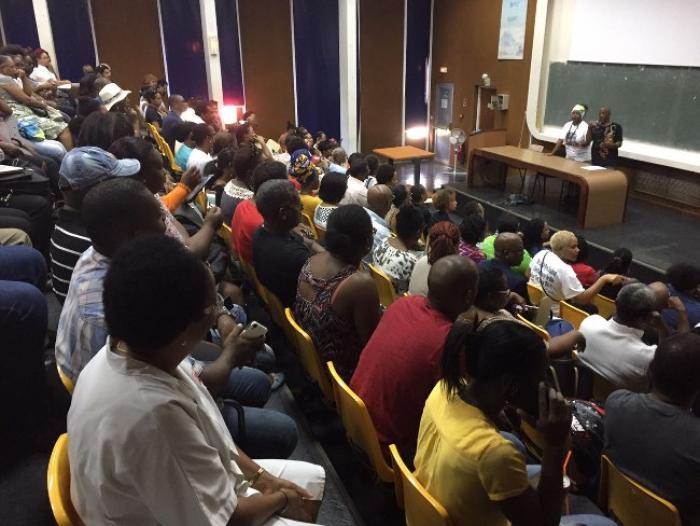 Le personnel gréviste du CHU réclame des finances saines et l'amélioration des conditions de travail