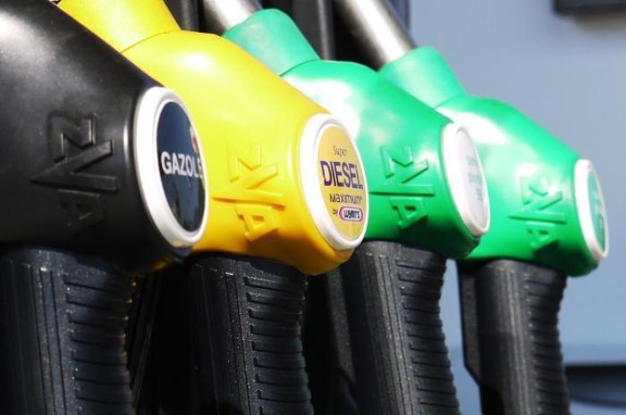 Le prix de l'essence est en légère baisse, le diesel gagne deux centimes en mars