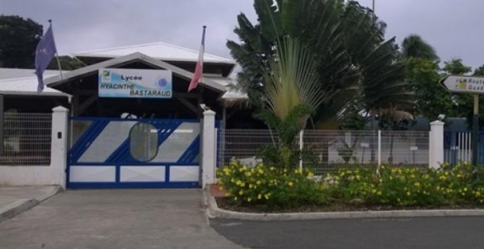 Le proviseur du lycée de Grand-Bourg porte plainte contre une étudiante