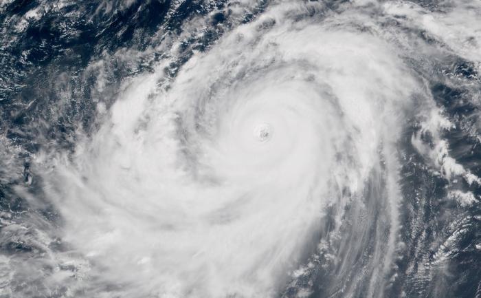 Le puissant typhon qui menace les Philippines fait deux fois la taille de l'ouragan IRMA