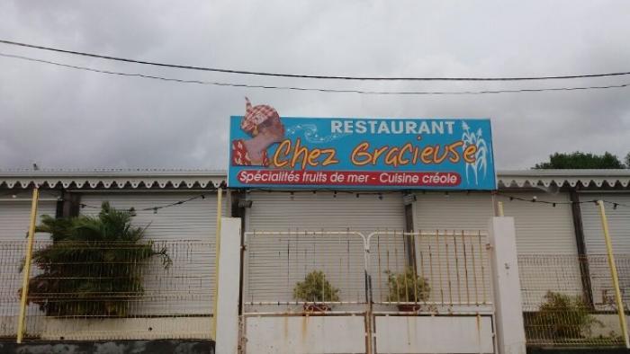 """Le restaurant """"Chez Gracieuse"""" détruit par les flammes"""