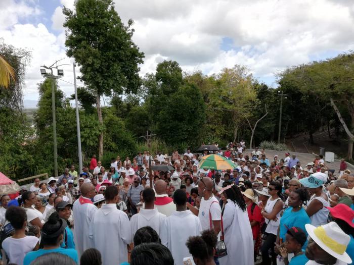 Le traditionnel chemin de croix suivi aussi en Guadeloupe