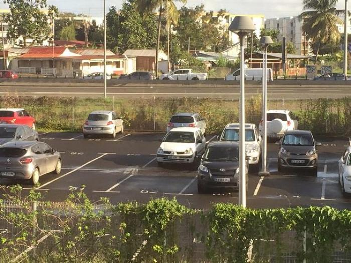 Les automobilistes au ralenti sur la RN1