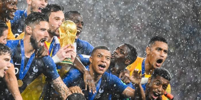 Les Bleus en or de retour à Paris