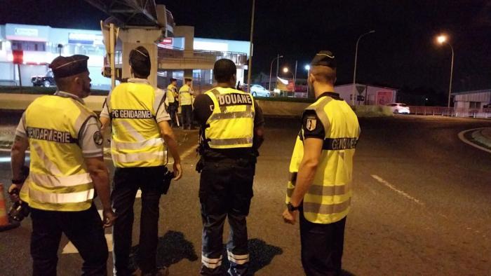 Les douaniers et les gendarmes mènent une opération conjointe sur la route