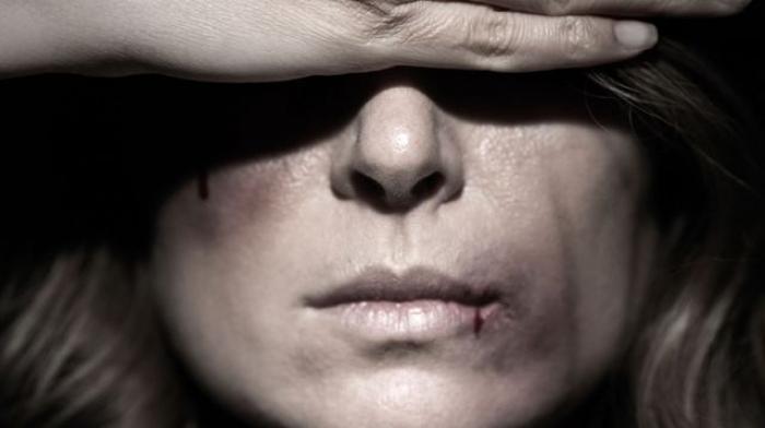 Les droits de l'homme contre la violence faite aux femmes