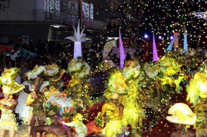 Les gendarmes interpellent un individu armé au défilé carnavalesque de Sainte-Rose