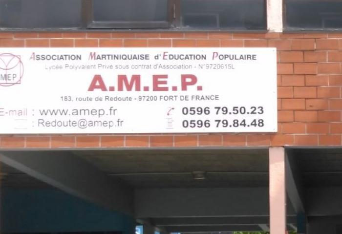Les élèves de l'AMEP en grève