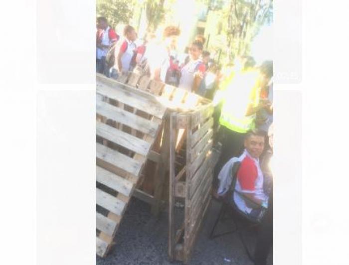Les élèves du lycée Joseph Zobel bloquent leur établissement scolaire