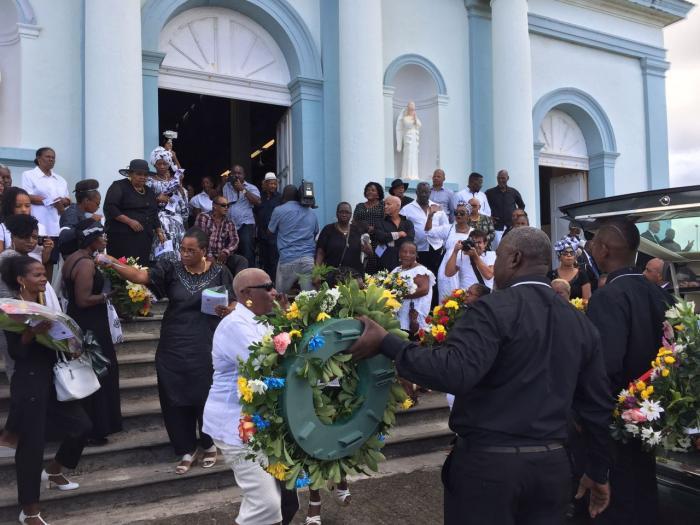 Les obsèques de Ti Raoul en photos et vidéos