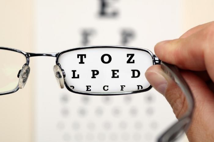 Les opticiens pourront délivrer lentilles et lunettes correctives