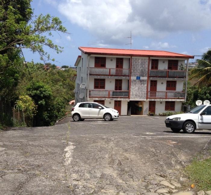 Les parents d'une jeune femme de 28 ans s'interrogent sur sa mort dans une résidence de Balata à Fort-de-France