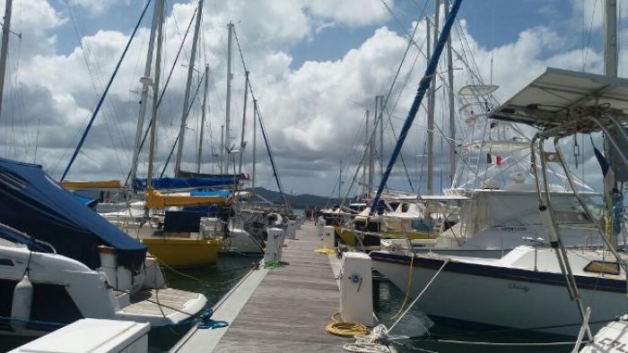 Les plaisanciers s'activent à l'approche de l'onde tropicale