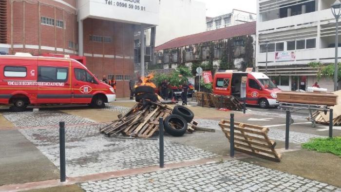 Les pompiers mettent fin à leur grève