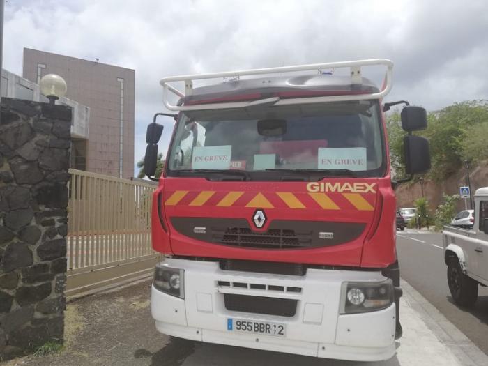 Les pompiers restent mobilisés