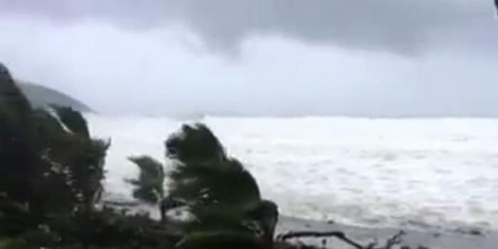 Les premiers effets de la tempête tropicale Matthew