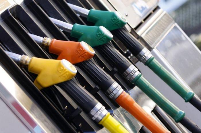 Les prix des carburants en forte baisse pour débuter 2015