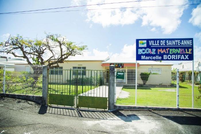 Les seize établissements scolaires de Sainte-Anne garderont leurs portes fermées