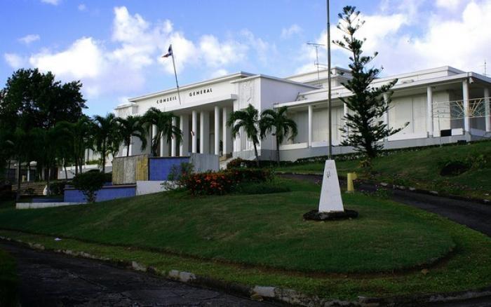 Les syndicats UNSA, CFTC et CTU mobilisés devant le conseil départemental
