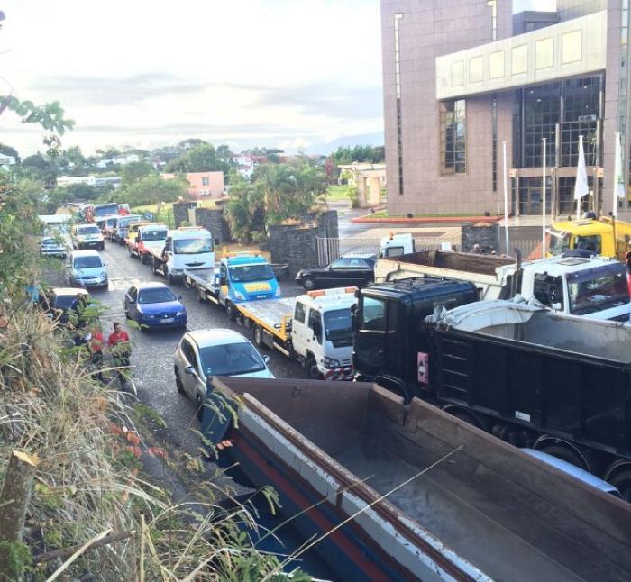Les transporteurs mobilisés devant la CTM et la SARA