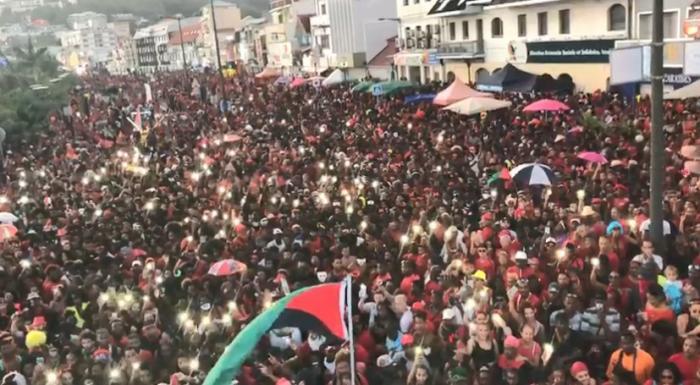 Mardi Gras : près de 100 000 personnes dans les rues de Fort-de-France