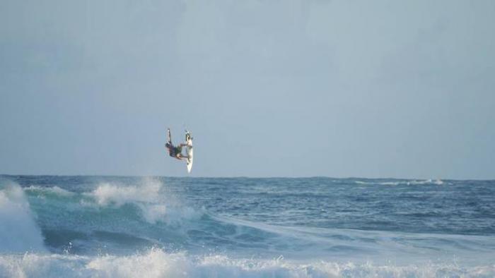 Martinique Surf Pro : la compétition continue à Basse-Pointe