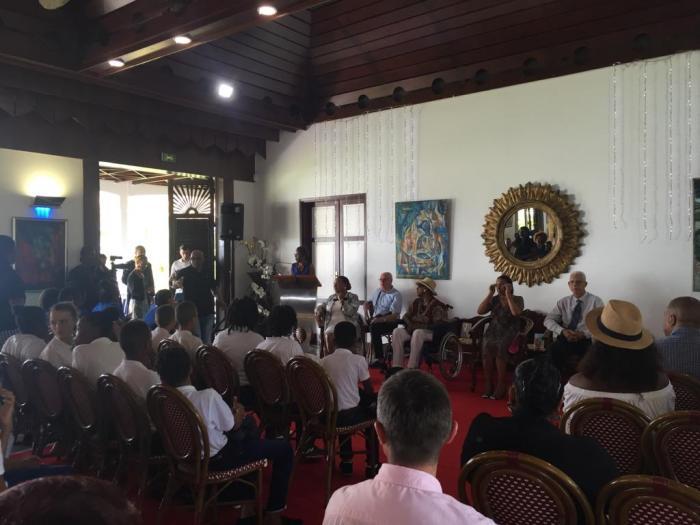 Maryse Condé honorée par le Conseil Départemental en présence de collégiens