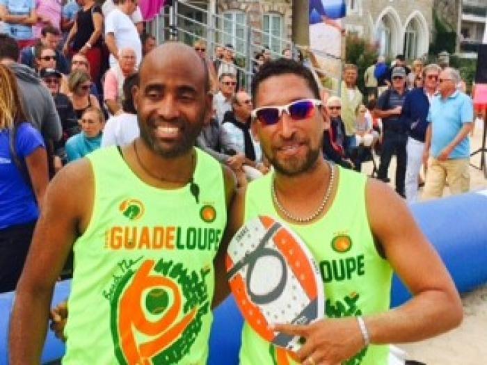 Mathieu Porry et Pierre-Gilles Placide champion de France de Beach Tennis