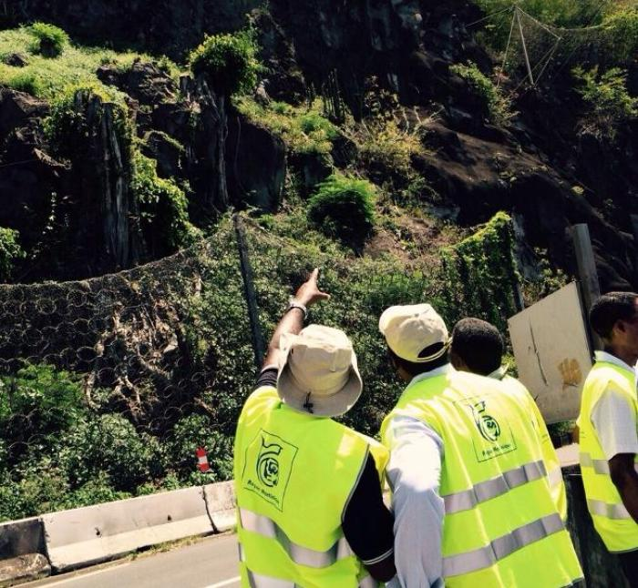 Menace de chute de pierres à  Saint-Pierre : la circulation interrompue pour 48 heures sur la RN2 entre St Pierre et Carbet