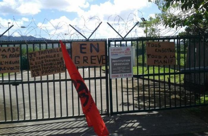 Mobilisation de la CSTM devant la fourrière départementale de Mangot Vulcin