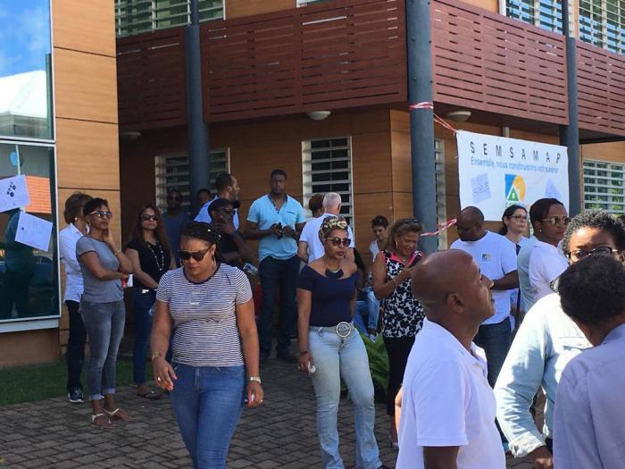 Mobilisation de soutien des salariés de la SEMSAMAR